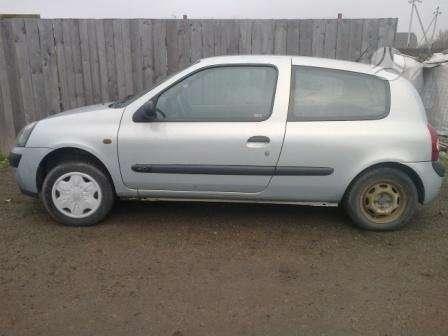 Renault Clio. Dalimis