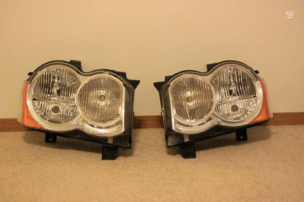 Jeep Grand Cherokee. Jeep grand cherokee stereo amplifier 2009-