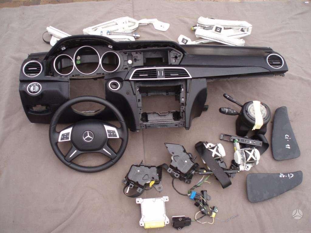 Mercedes-Benz C klasė oro pagalvės