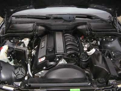 BMW 523. 523i dalimis xenon zibintai multi vairas juoda