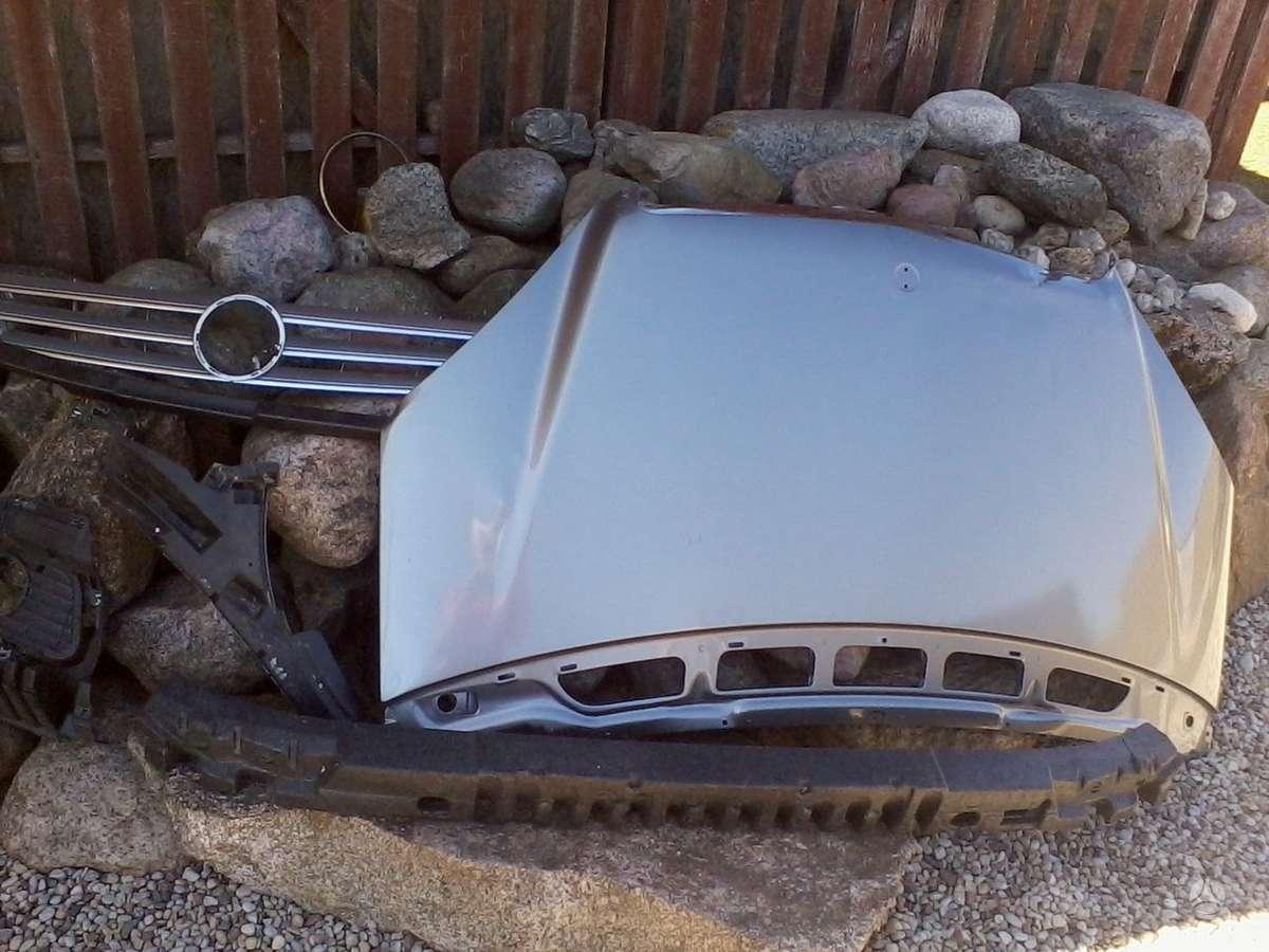 Mercedes-Benz A klasė. Priekinis kapotas, grotelės,priekinis
