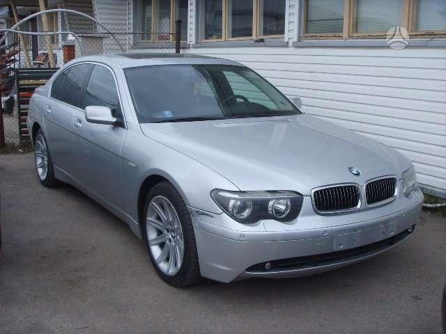 BMW 7 serija. Uab