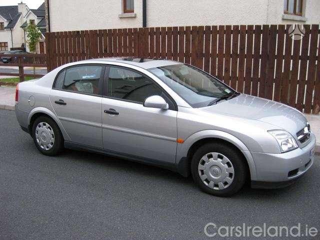 Opel Vectra. 1.9cdti 88kw  dalimis  skambinti tel ;