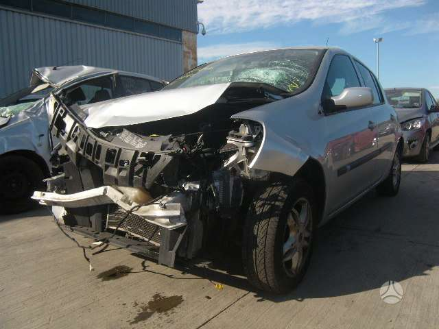Renault Clio. Automatas angliskas automobilis