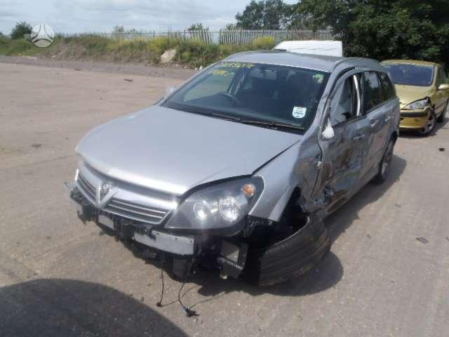 Opel Astra dalimis. 6 begiu mechanine deze išsiunčiam auto
