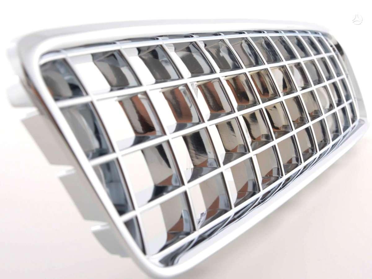 Volvo V40. Naujos tuning dalys. priekinės grotelės volvo s40-v50-