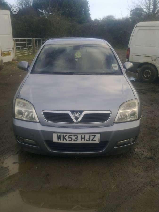 Opel Signum. Ira ir 2.2 variklis