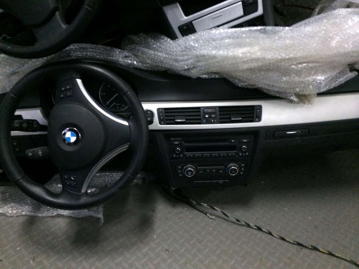 BMW 3 serija. Bmw 3  ,5 ,x5 ,x6 yra daug atskirų europinių dalių,