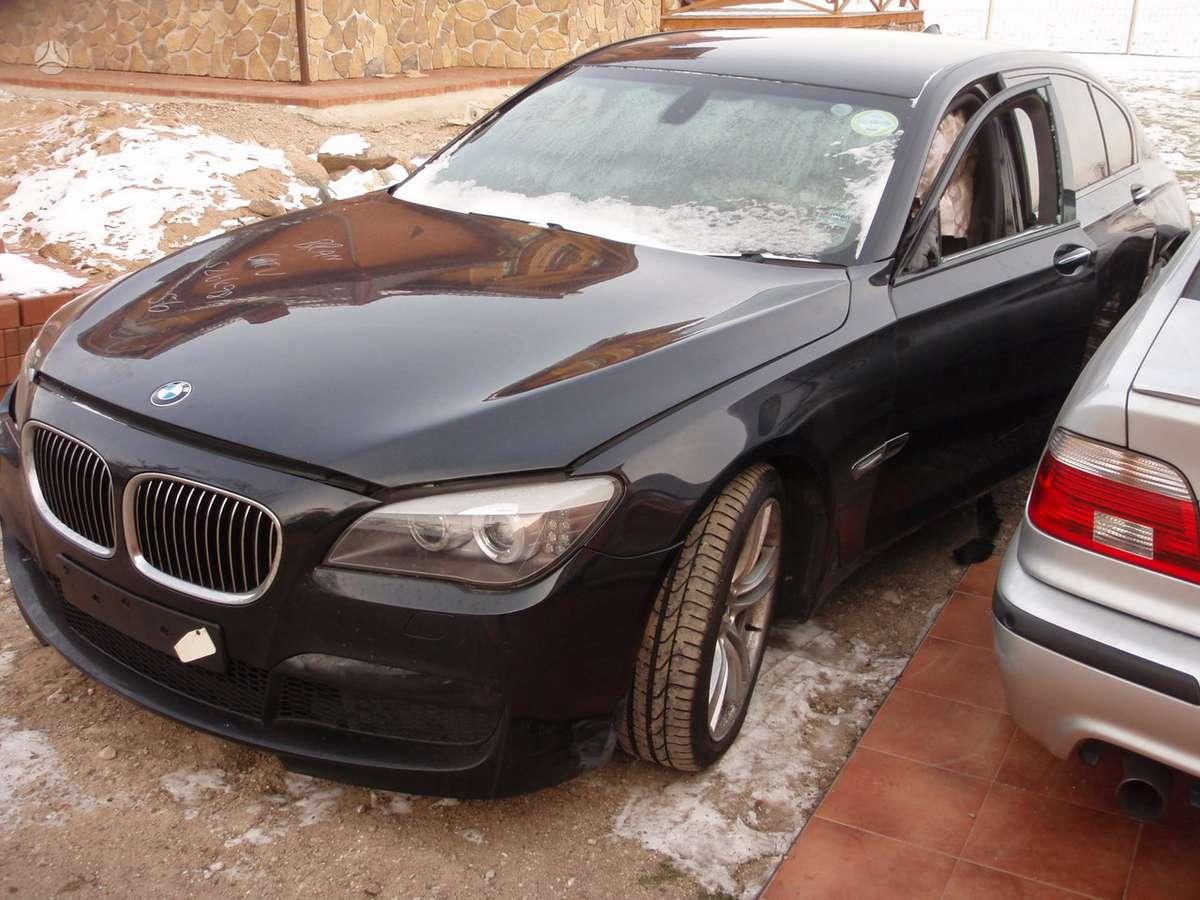 BMW 7 serija dalimis. Bmw f02 7 serijos 730ld m sport 2010 metų.