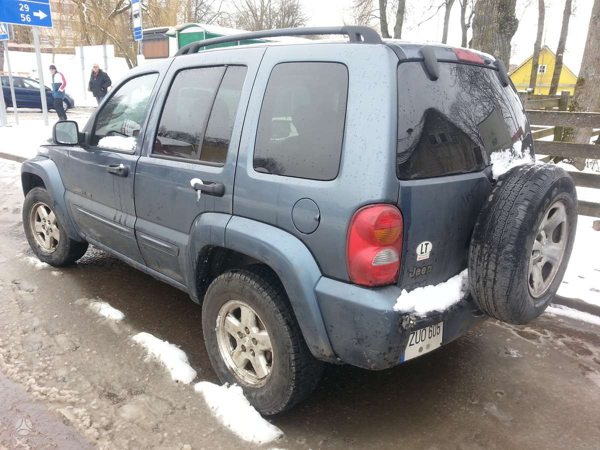 Jeep Liberty. Amerikietiškų automobilių naudotos dalys ir