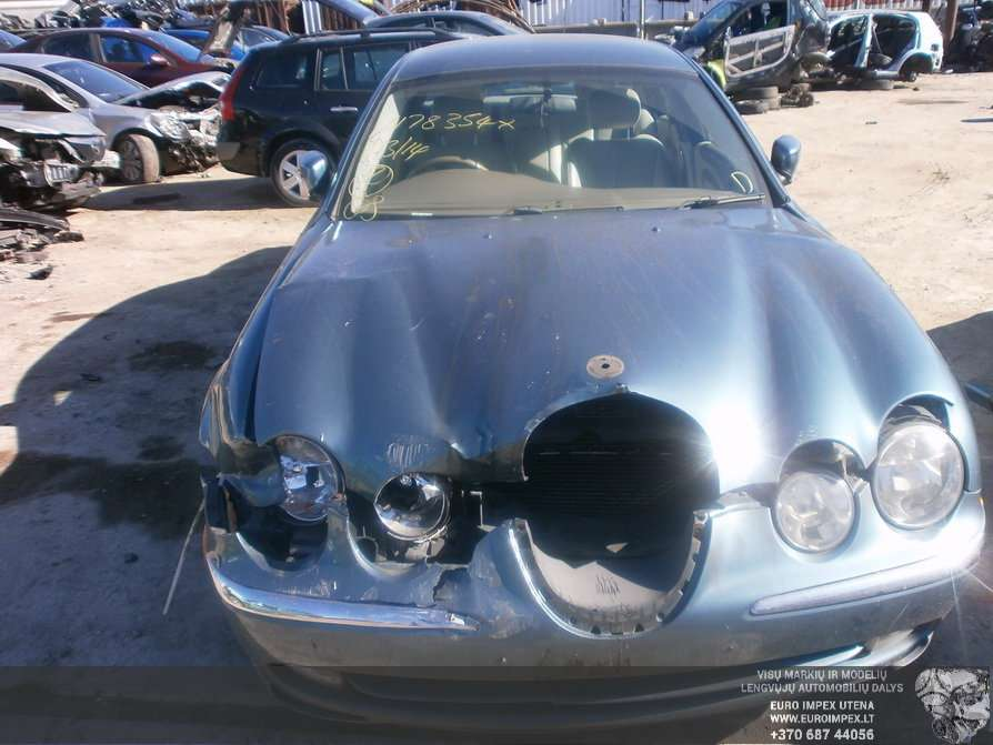 Jaguar S-Type dalimis. Automobilis ardomas dalimis:  jaguar s-