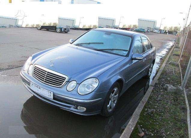 Mercedes-Benz E320. Avantgarde, xenon, navi, panoraminis stogas,