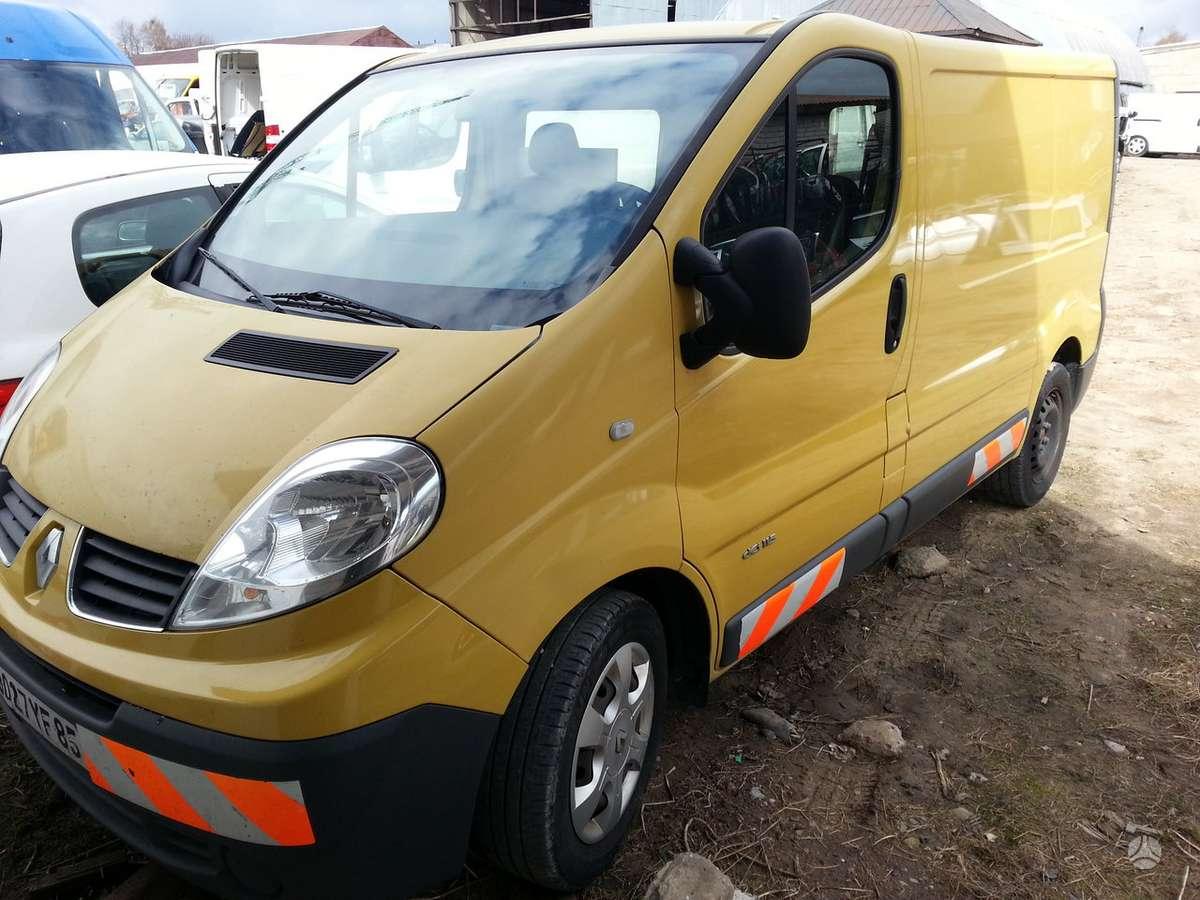 Renault Trafic dalimis. Automatas. automobilis dalimis.