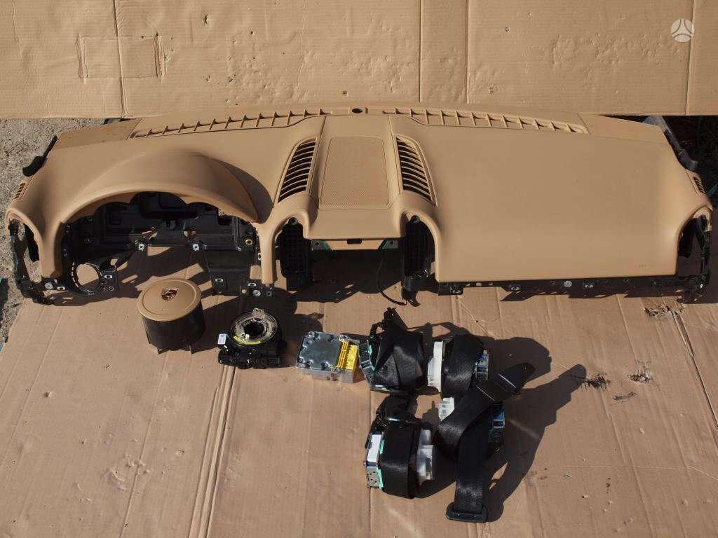 Porsche Cayenne saugos diržai