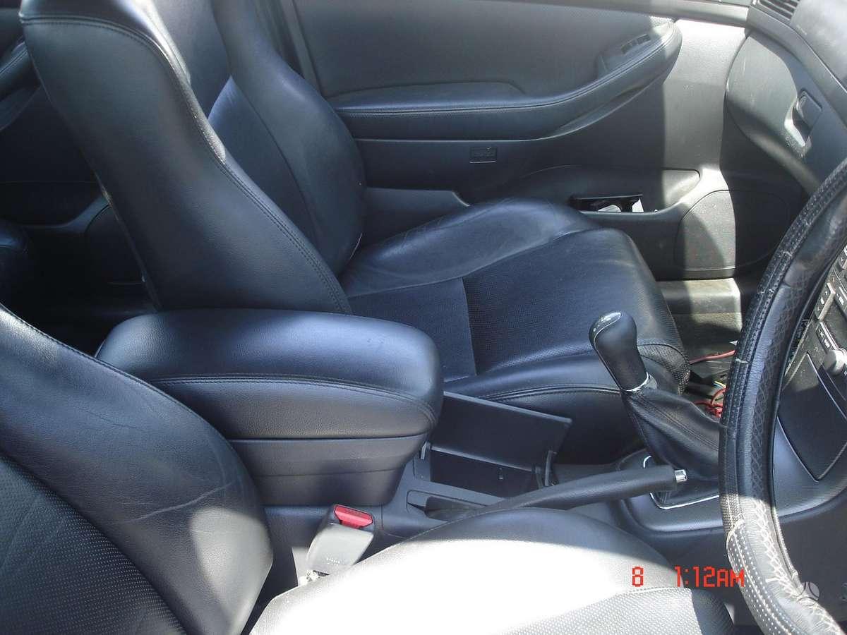 Toyota Avensis. Odinis salonas. naudotu ir nauju japonisku