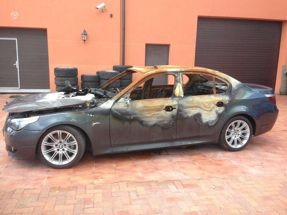 BMW 525 dalimis. Bmw520i 2004m.  bmw520d 2006m. bmw525d 2004-
