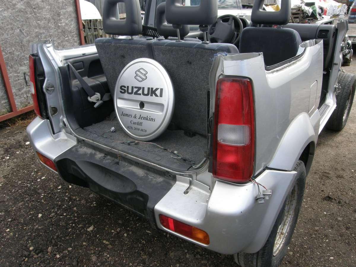 Suzuki Jimny. Dalimis