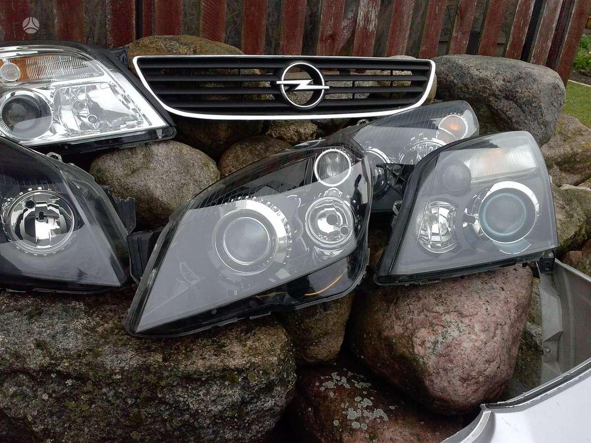 Opel Zafira. Pr .buferis ,pr .kapotas ,sparnai ,žibintai pr .