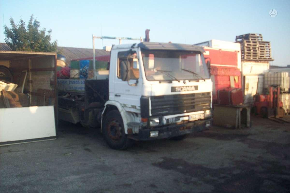 Scania, 82, sunkvežimiai
