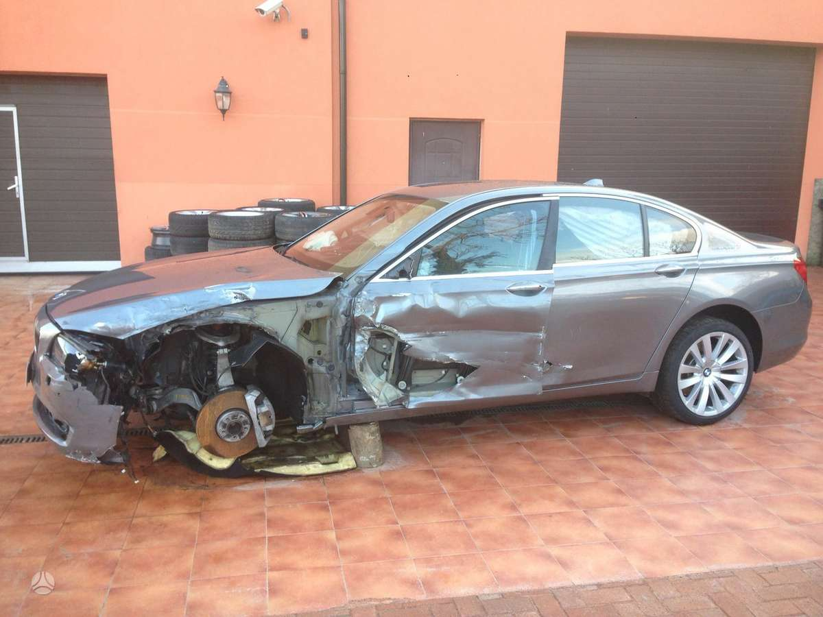 BMW 7 serija dalimis. Bmw f04 active hybrid 7 2010m.  taip pat