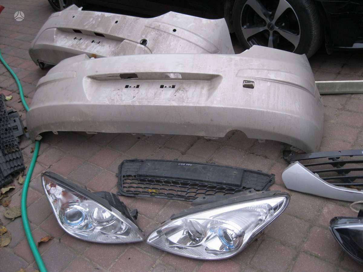 Hyundai i30. Zibintai---- groteles--- gal. buferis