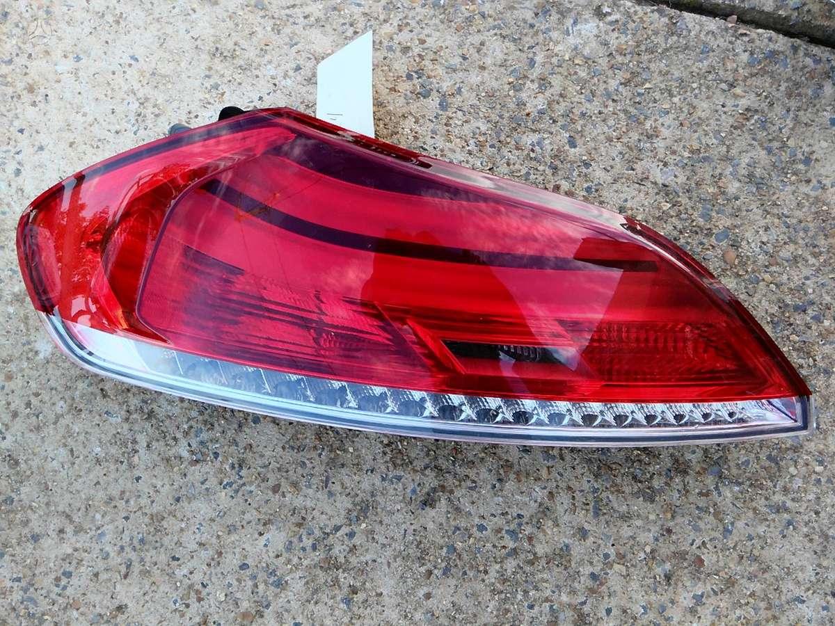 BMW Z4. Bmw z4 e89 led  left tail light oem 2009-2012 7191777-10