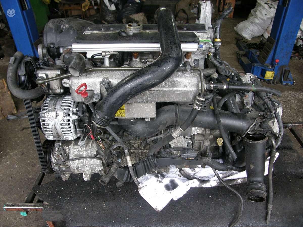 Volvo V70. 2,4tb    variklio kodas   b5244t3