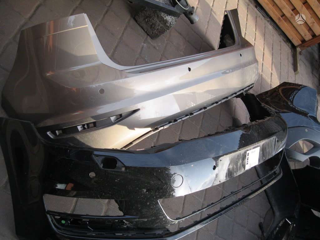 Volkswagen Golf Sportsvan. Galinis  buferis ---- kapotas----