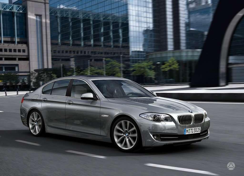 BMW 5 serija. Naujų orginalių detalių užsakymas