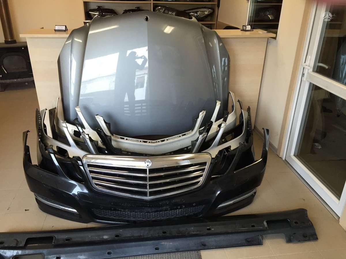 Mercedes-Benz E klasė. Atvežame dalis į jums patogią vietą kaune.