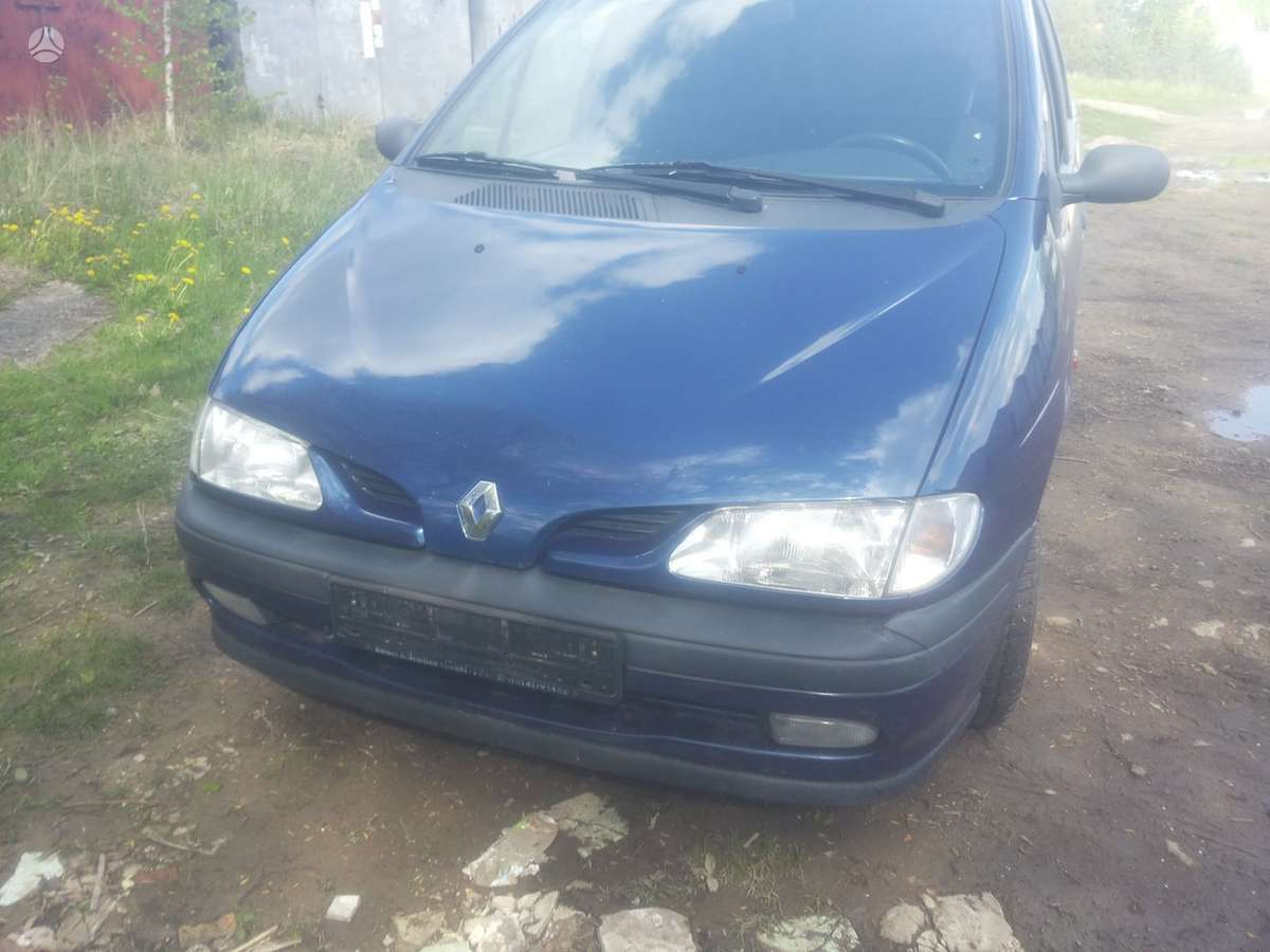 Renault Scenic. Variklio defektas