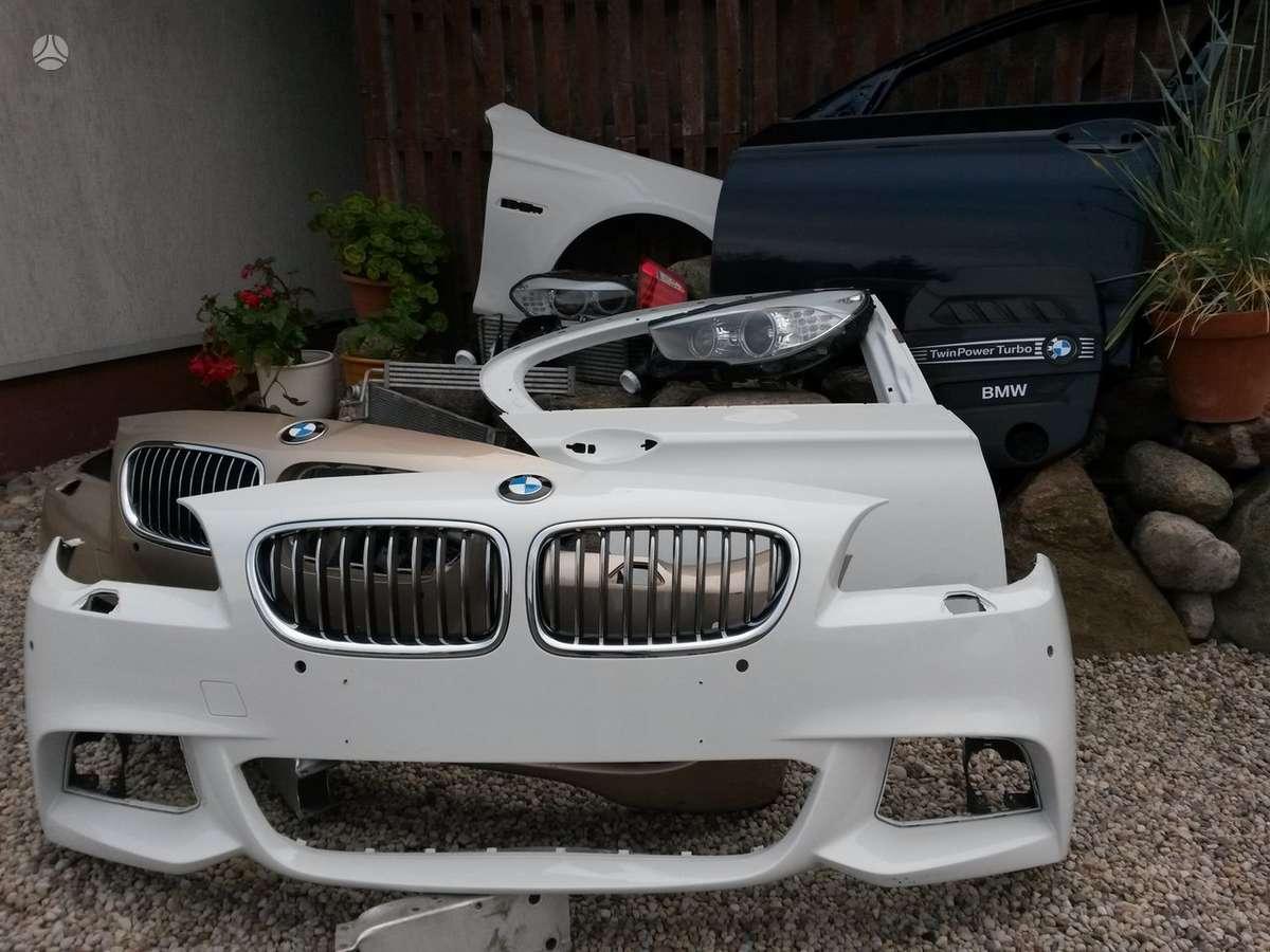 BMW 5 serija. Priekiniai kapotai mėlynas,juodas, baltas, durys mė