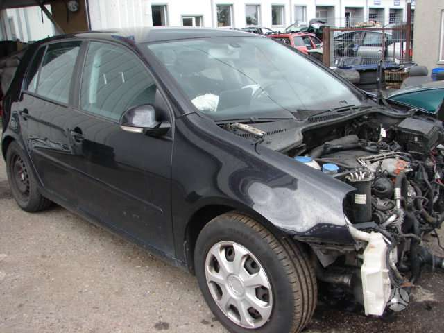 Volkswagen Golf. 8 600 71818 ... 8 600 71615
