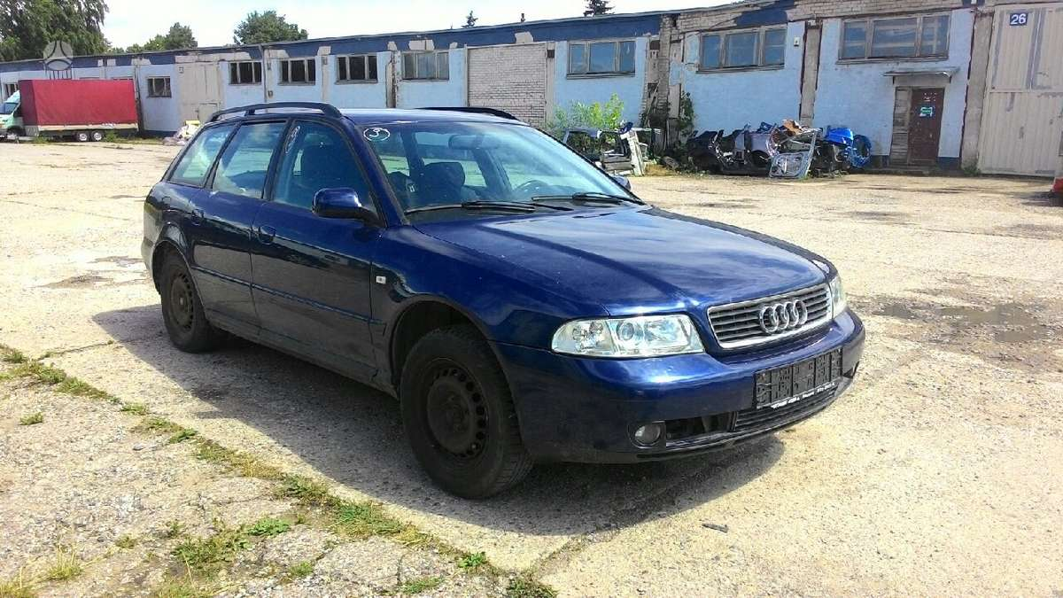Audi A4 dalimis. Audi a4 1,9tdi 85kw automatas, parktronic,