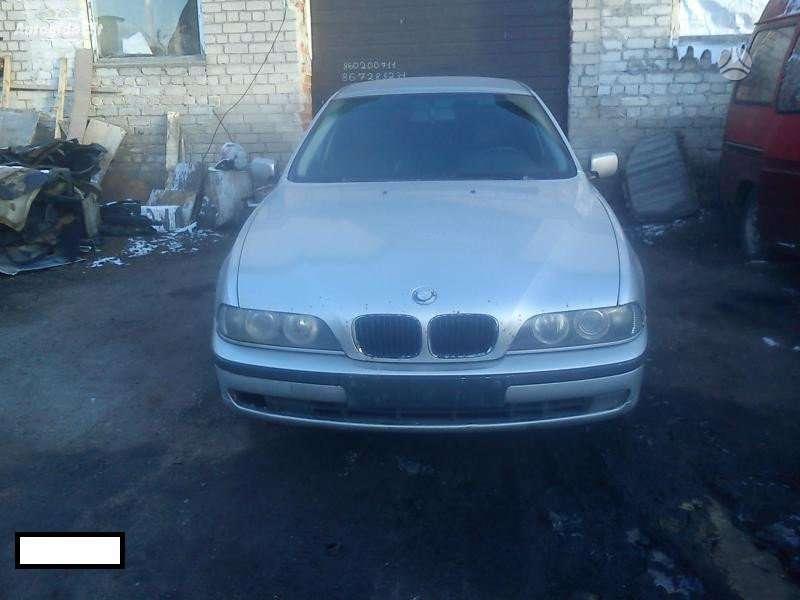 BMW 5 serija dalimis. E39 3.0d 135 kw mechanas, sidabras,
