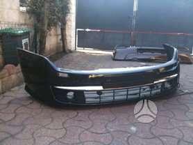 Renault Laguna. Turime įvairių renault modelių dalių: optika, kė