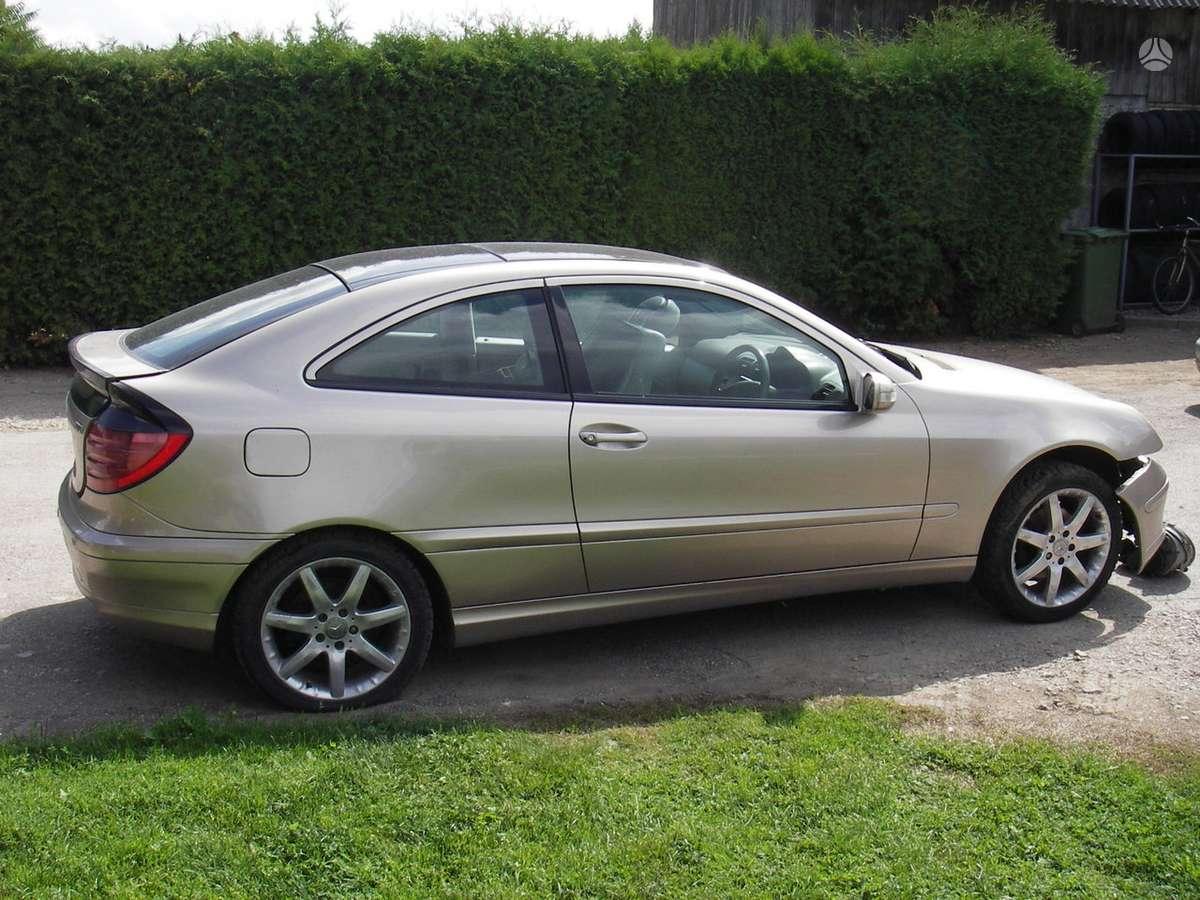 Mercedes-Benz C220 dalimis. Panoraminis stogas
