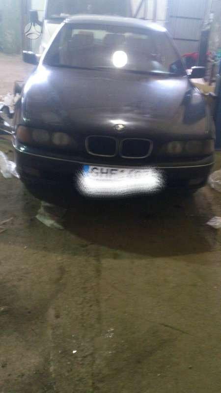 BMW 525 dalimis. Oda, juodos lubos. skambinti šiais numeriais +