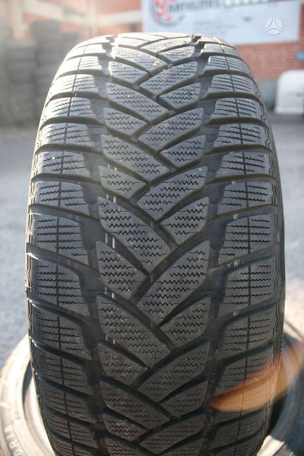 Dunlop 8 mm, universaliosios 235/45 R17