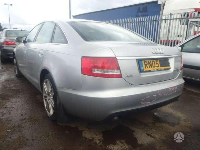 Audi A6. Dalimis