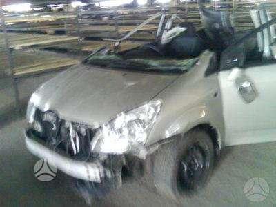 Toyota Corolla Verso. 6 bėgių pavarų dėžė