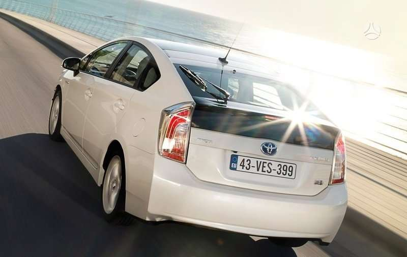 Toyota Prius dalimis. !!!! naujos originalios dalys !!!! !!! нов