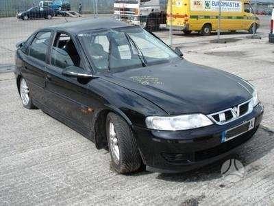 Opel Vectra. Yra įvairių opel modelių ir su įvairiais varikliais