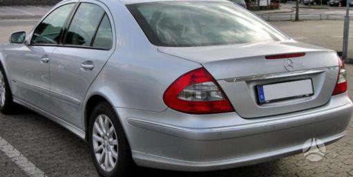 Mercedes-Benz 211 dalimis. Pigios kėbulo dalys, žibintai,