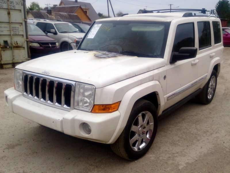 Jeep Commander dalimis. Used and new parts for us cars. possible
