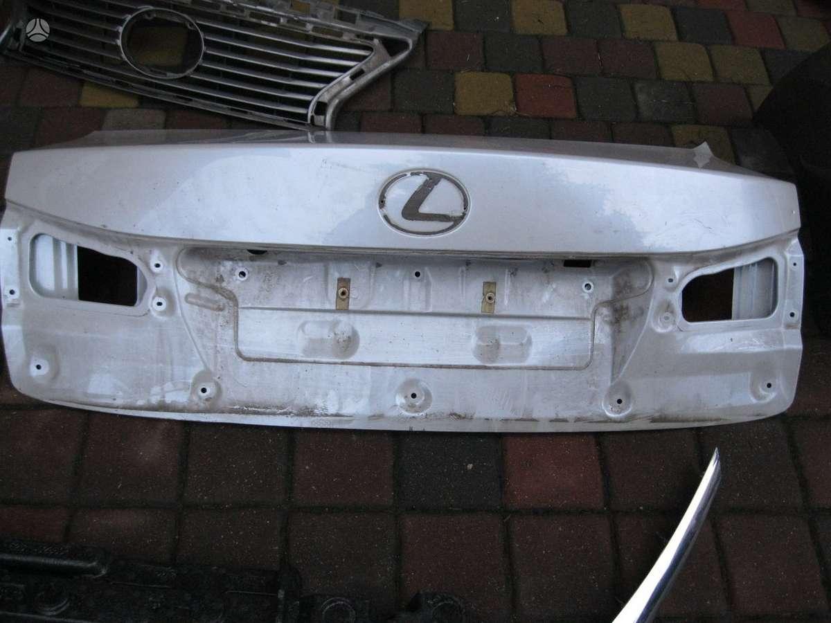 Lexus IS 250. ---- variklio apsauga----  groteles---- bagazines
