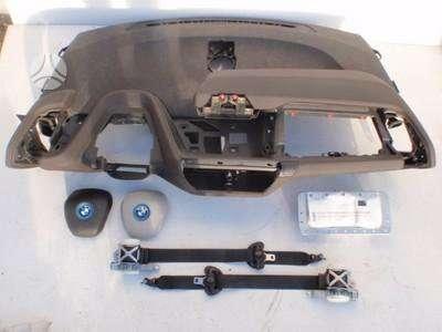 BMW i3 panelė, oro pagalvės, saugos diržai