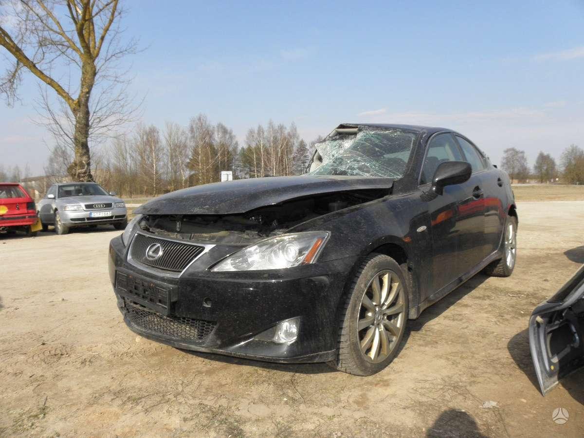 Lexus IS 220