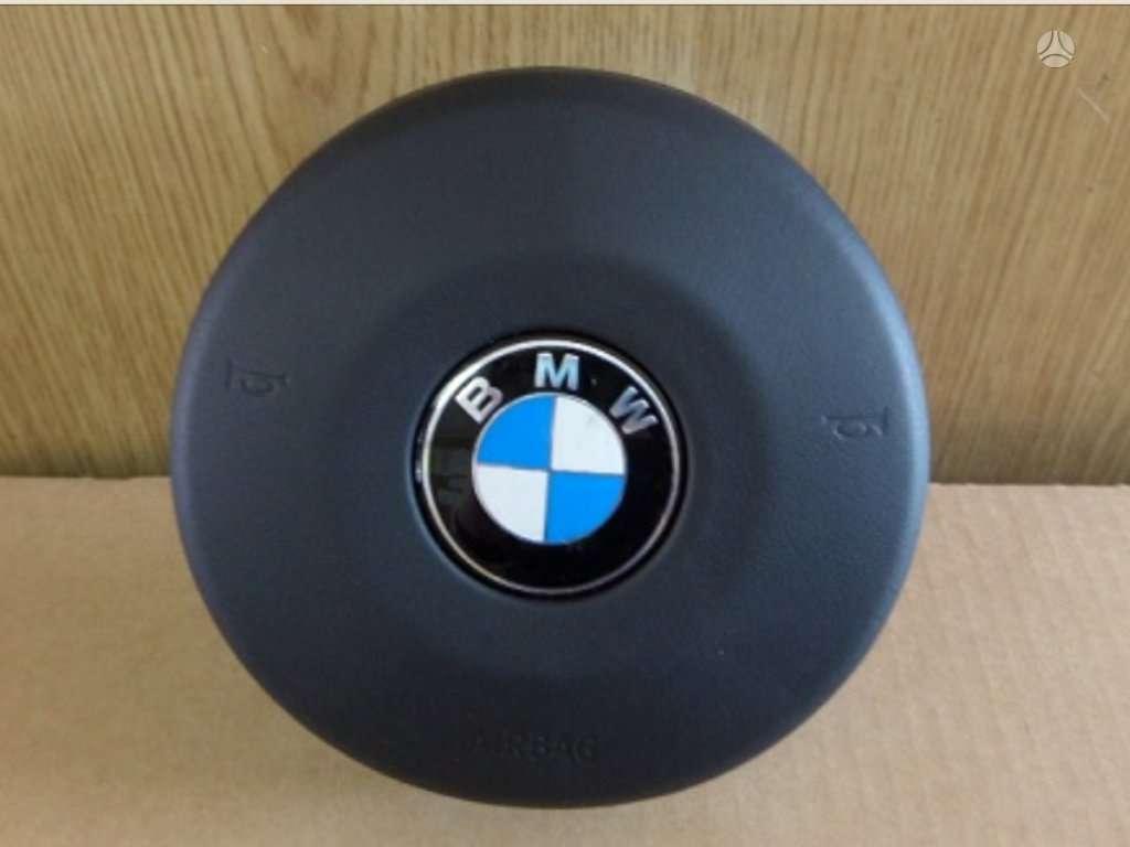 BMW X5 oro pagalvės