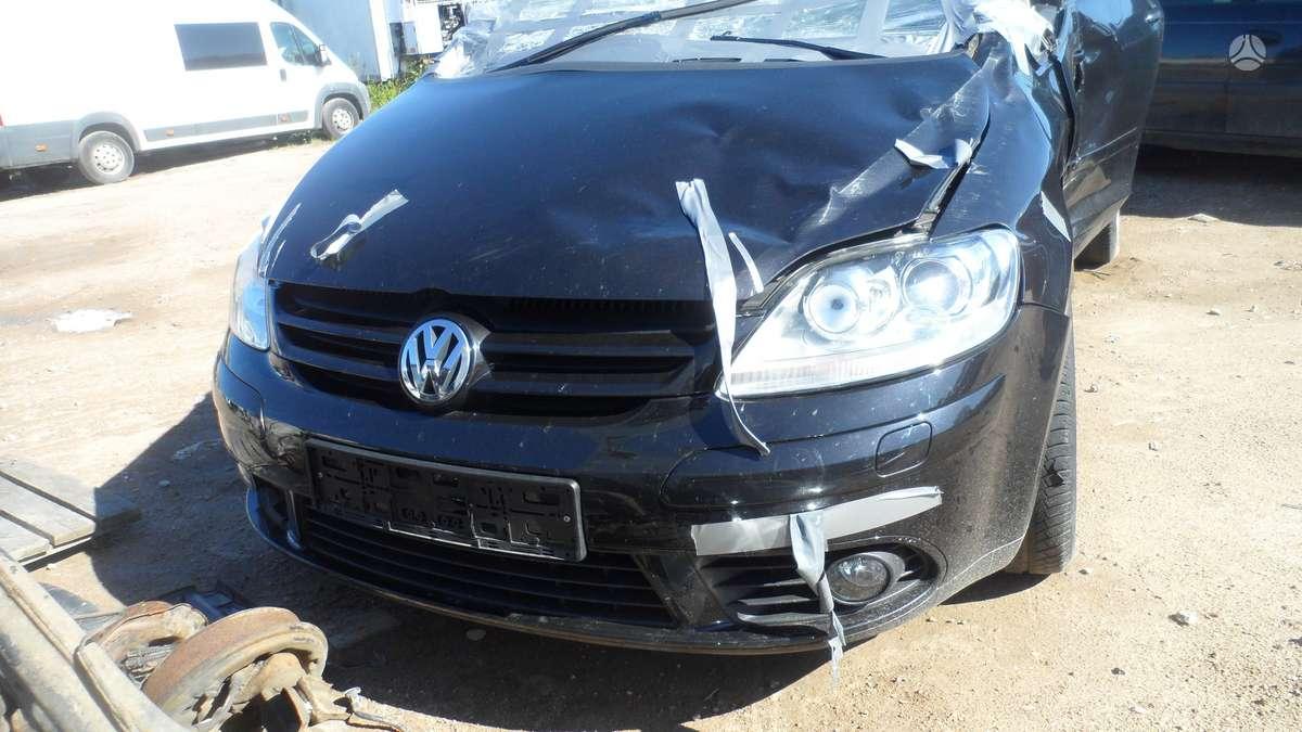 Volkswagen Golf dalimis. superkame ivairiu markiu automobilius!!